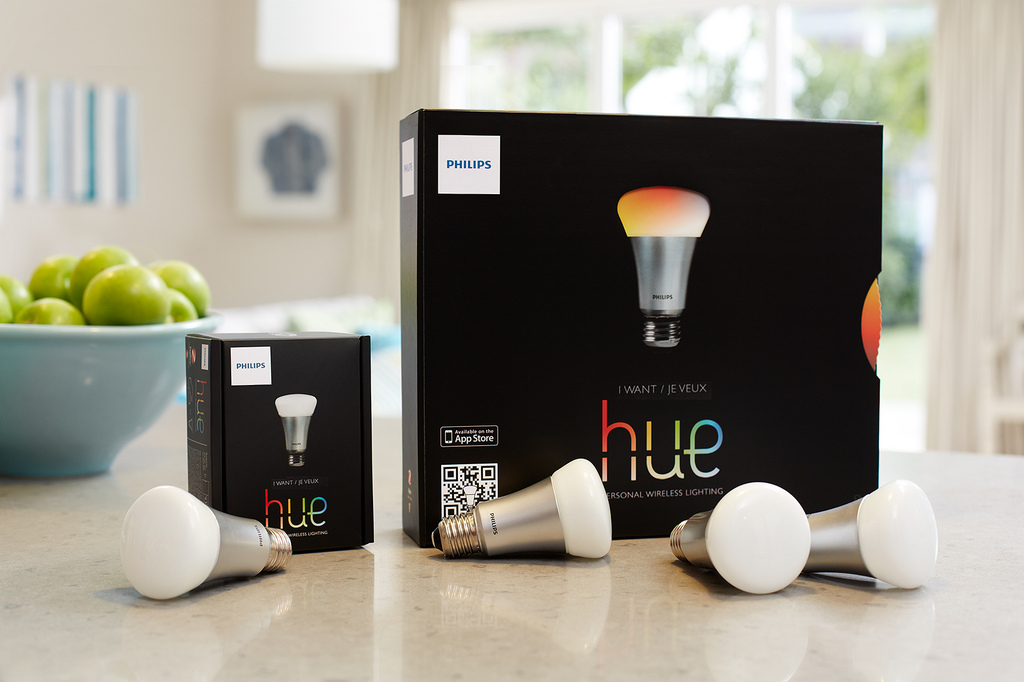 wlan gl hbirne philips hue jetzt mit ifttt kompatibel. Black Bedroom Furniture Sets. Home Design Ideas