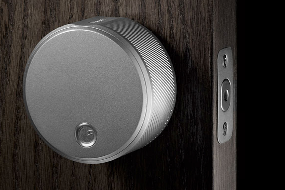 august smart lock haust r mit dem handy ffnen housecontrollers. Black Bedroom Furniture Sets. Home Design Ideas