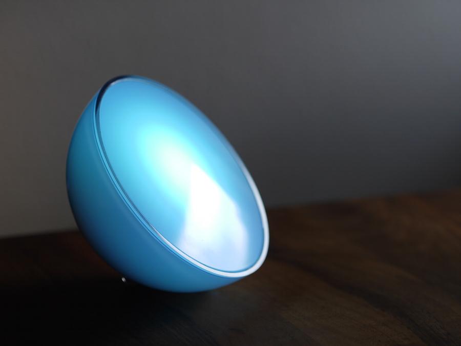 philips hue go im test smarte leuchte zum mitnehmen. Black Bedroom Furniture Sets. Home Design Ideas