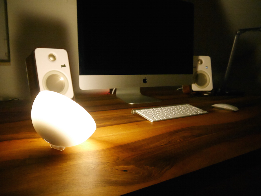 philips hue go im test smarte leuchte zum mitnehmen housecontrollers. Black Bedroom Furniture Sets. Home Design Ideas