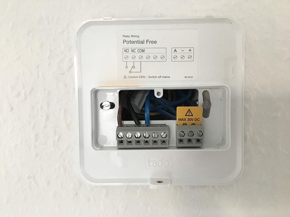 Tado-Thermostat ohne Abdeckung