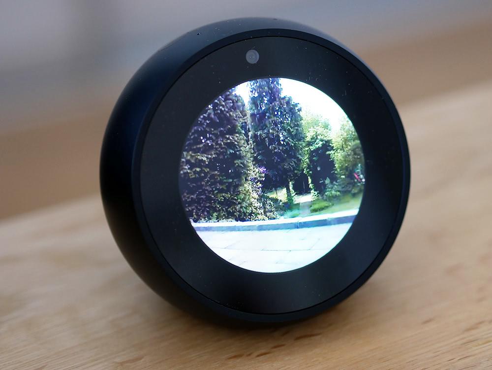 Blink Überwachungskamera auf dem Echo Spot
