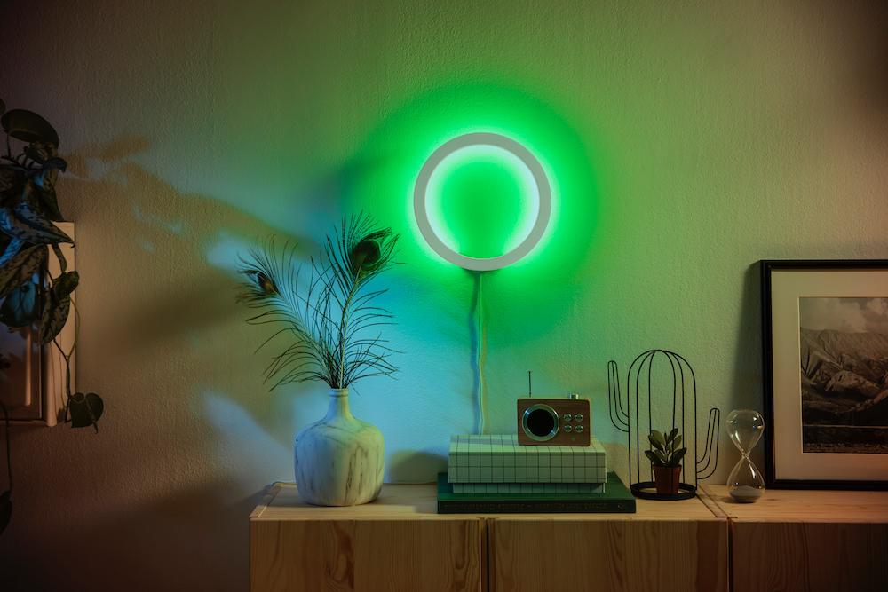 philips hue neue pendelleuchten wandleuchten und mehr housecontrollers. Black Bedroom Furniture Sets. Home Design Ideas