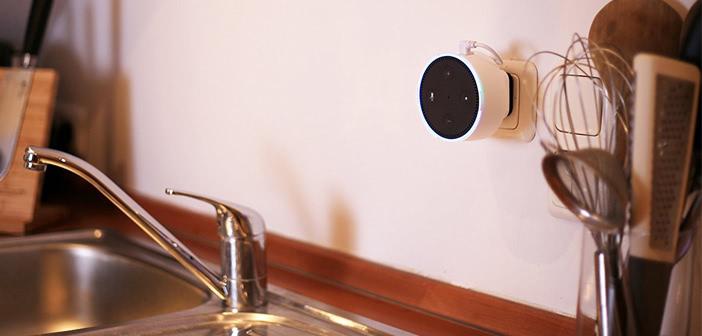 Wandhalterung für den Echo Dot: Den Smart Speaker an der Steckdose befestigen