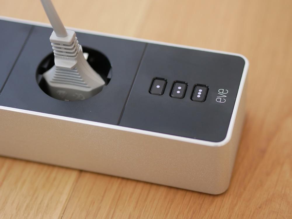 Eve Energy Strip: Tasten zur Schaltung der angeschlossenen Geräte.
