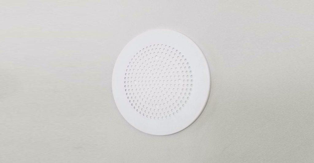 Amazon Echo in die Wand einbauen