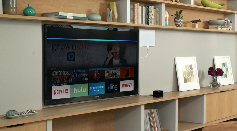 Fire TV Cube: Den TV mit Alexa steuern.