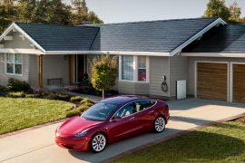 Tesla Solardach mit Solar-Dachziegeln