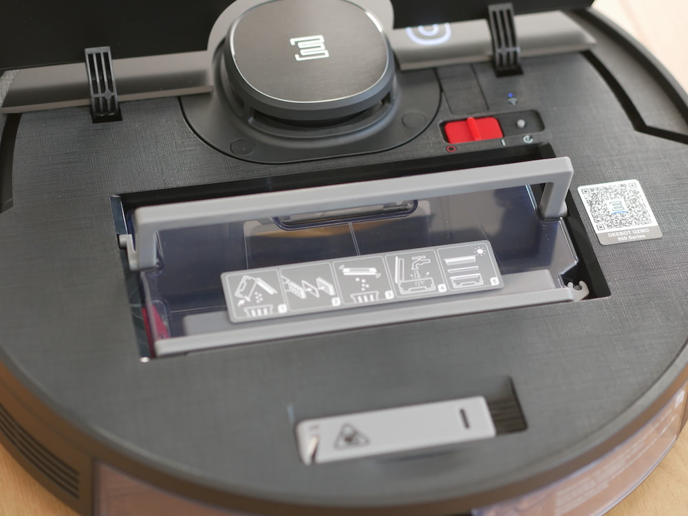 Ozmo 950 Saugroboter Staubbehälter