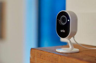Arlo Essential Indoor Überwachungskamera