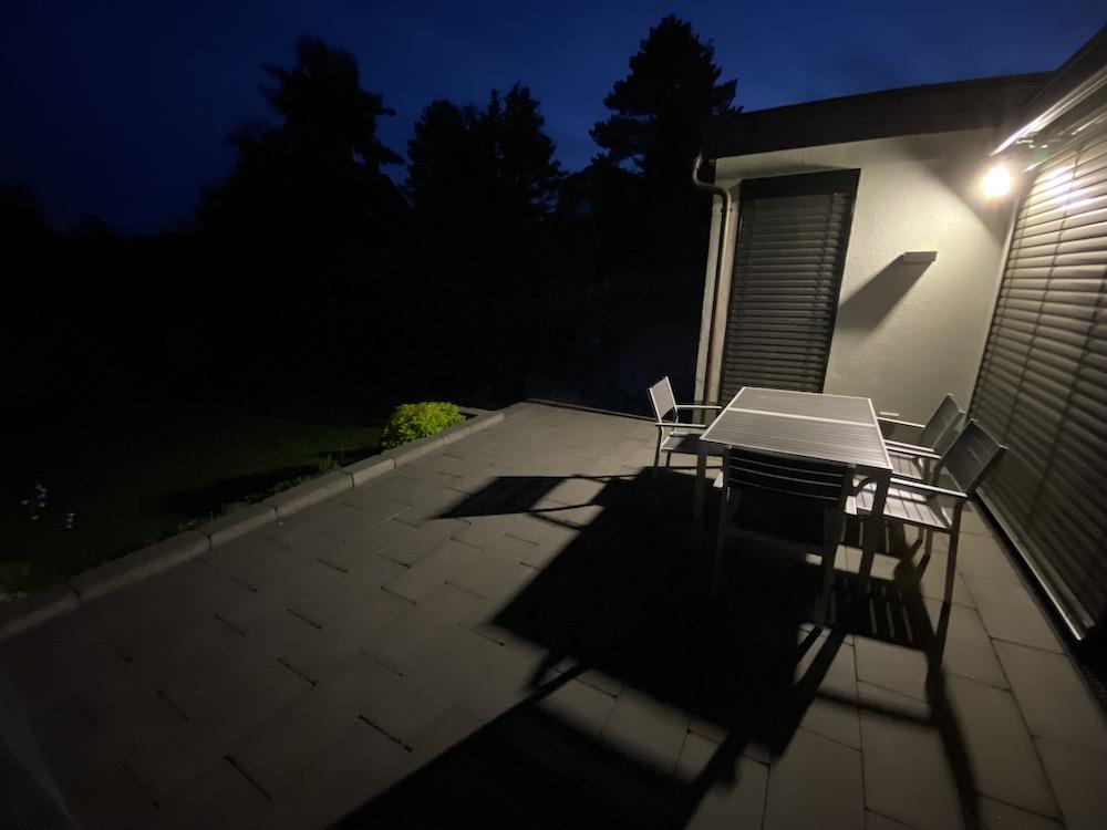 Außenkamera mit Flutlicht